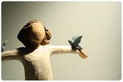 illustration - ange en bois portant deux colombes- http://www.flickr.com/photos/14205692@N08/3531771281 Found on flickrcc.net