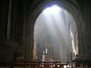 illustration - lumière dans une église