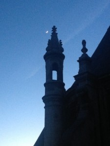 illustration - Lune et les toits de l'Oratoire